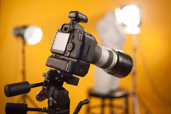 Las lámparas incandescentes de luz continua para fotografía son la iluminación preferida de de muchos fotógrafos