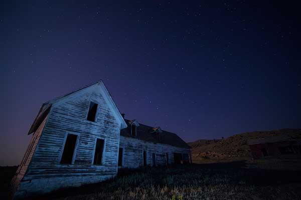 La luz de la noche en fotografia parece blanca